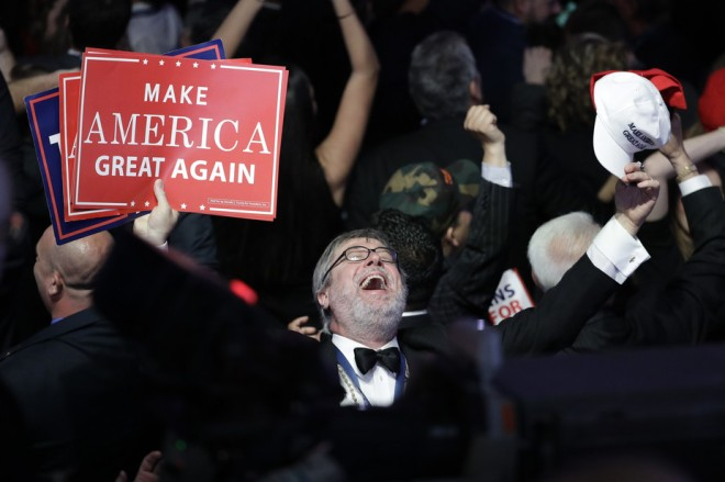 Drumpf supporters celebrate on Nov. 8, 2016. John Locher/AP